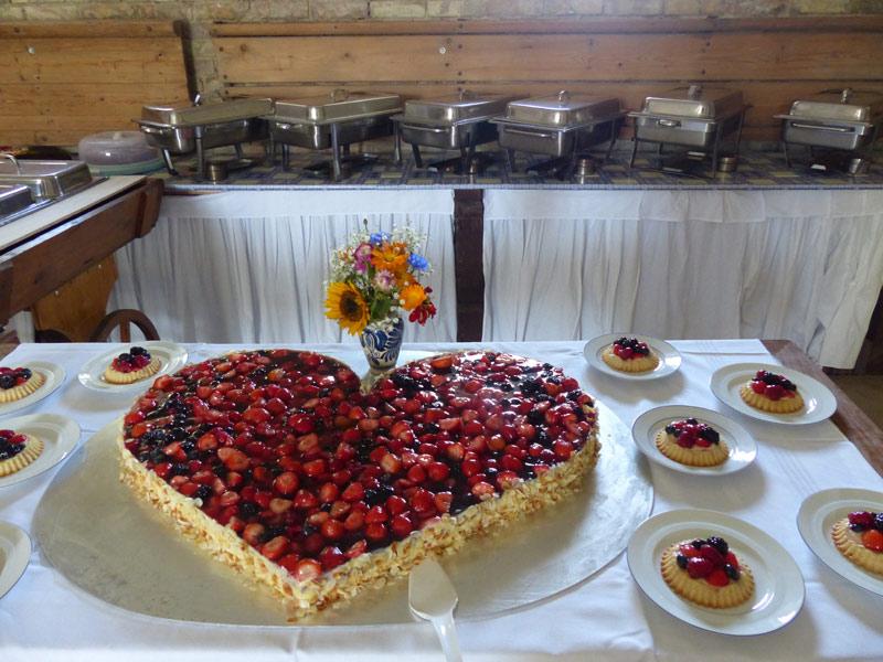 Kuchenbuffet im Kutschensaal